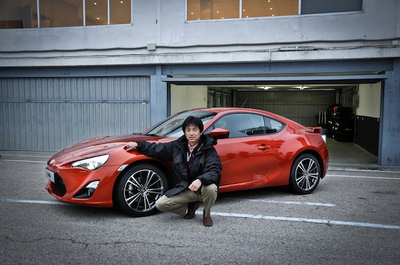 Name:  GT86-and-Tada.jpg<br /> Views: 7339<br /> Size:  85.7 KB