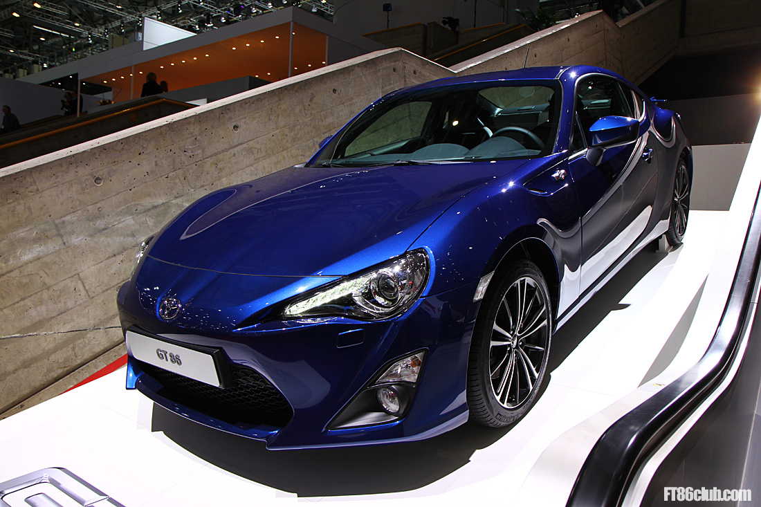 2012 Geneva - Toyota GT86 in Black, Blue, White, Orange ...