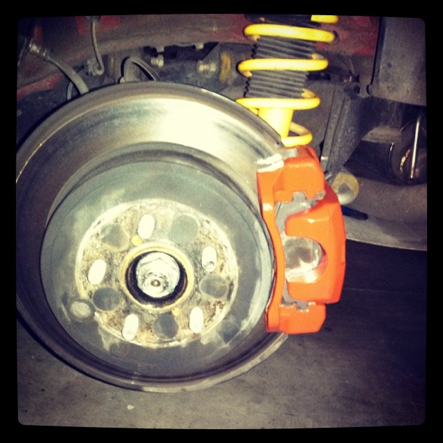 Name:  Rear brakes painted red.jpg