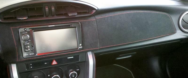 Name:  alcantara dash trim2.jpg Views: 22338 Size:  79.6 KB