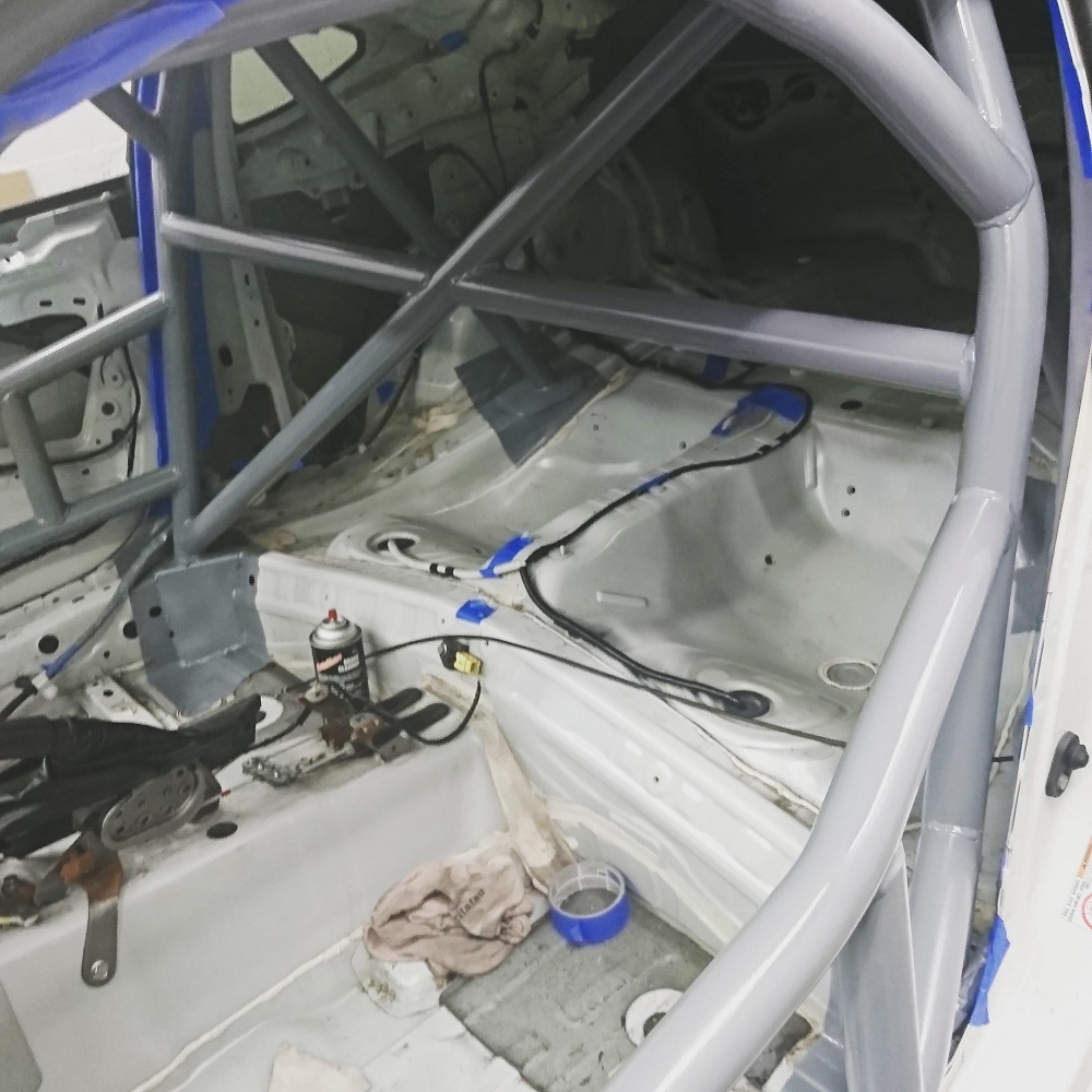 Name:  painted roll cage.jpg Views: 677 Size:  235.8 KB