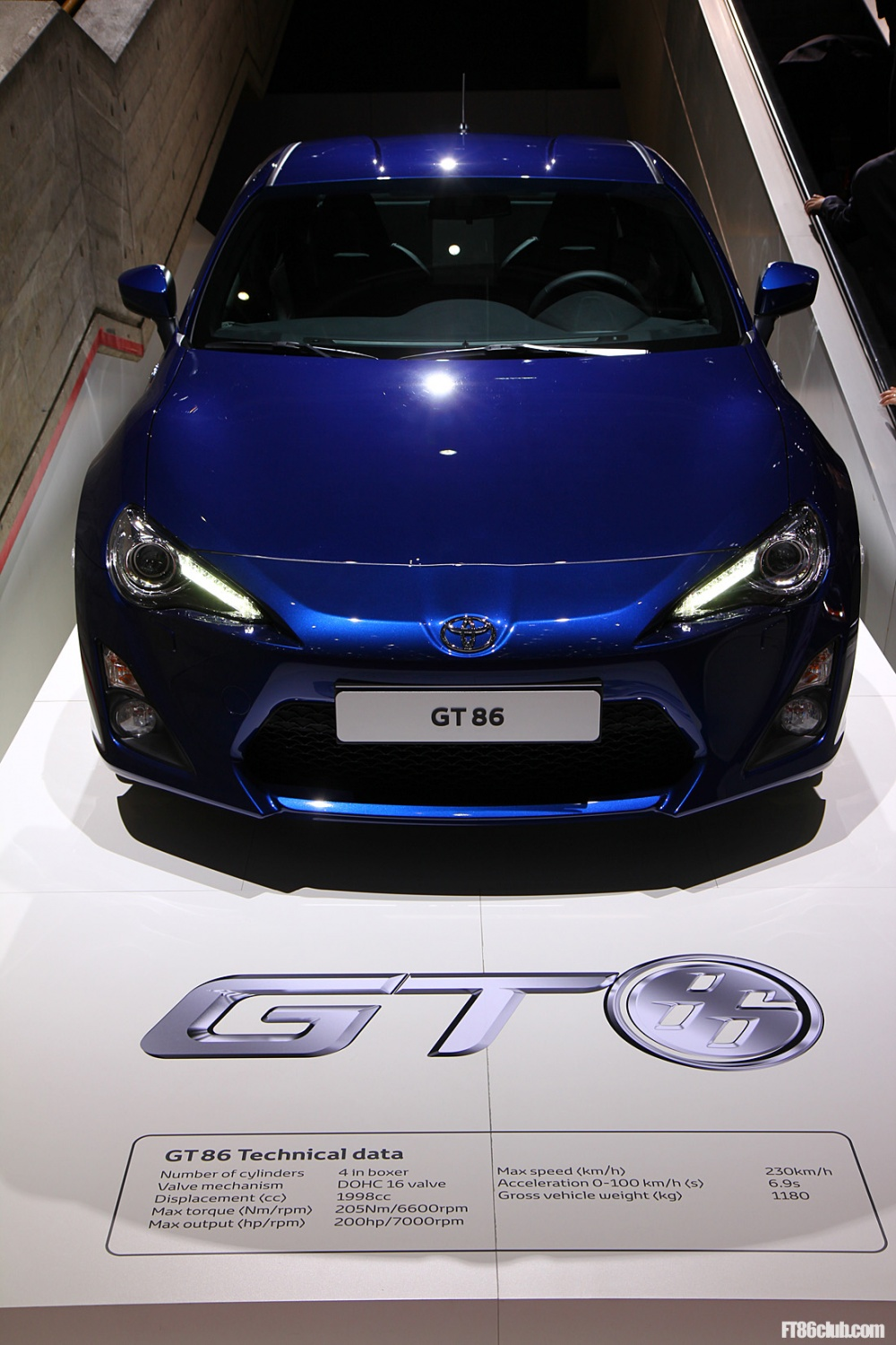 2012 geneva toyota gt86 in black blue white orange official weight 0 60 shown scion fr. Black Bedroom Furniture Sets. Home Design Ideas